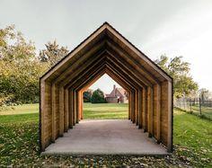 Ökonomiehaus: minimalistische Garage & Schuppen von JAN RÖSLER ARCHITEKTEN