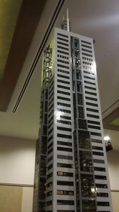 Skyscraper Lego Building, Building Design, Lego Skyscraper, Lego Modular, Lego Architecture, Lego House, Architectural Models, Lego Stuff, Cool Lego