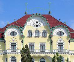 Art Deco and Art Nouveau! Art Nouveau Architecture, Architecture Design, European House, The Beautiful Country, Eastern Europe, Homeland, Places To Visit, Art Deco, Exterior
