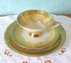 Sammeltassen Gedeck  Gold Oliv Vanille Mid Century von Sweet Virginia auf DaWanda.com