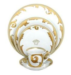 The Dinner Place Settings / Fine China | Versace Arabesque Gold / parkavegifts.com / The DOUBLE Wedding