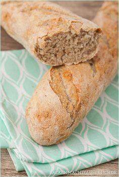 Französische Baguettes mit Weizen und Roggen - viel besser als vom Bäcker | www.backenmachtgluecklich.de