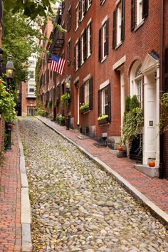Acorn Street in Boston, MA - My dream came true and I finally got to walk this street!
