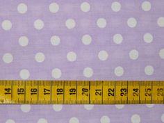 Dots - katoenen stof met een print van witte bolletjes van ca. 1 cm op een zachtmauve achtergrond. Beetje stijvere stof
