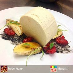 Grazie Credits : @frederico.uk @repost with #repostit_app FOLLOW <<cucinandoarte >> AND TAG YOUR BEST PHOTOS WITH #cucinandoarte Banana Parfait with Caramelised Banana #england #expertfoods #restaurante #truecooks #truecooksfam #TheArtOfPlating #Topchefs #gastroart #gastronomia #chef #cheflife #cambridge #chefstalk #cucinandoarte #ChefsOfInstagram #RepostIt_app by cucinandoarte