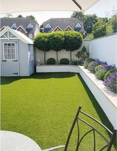 Small Backyard Ideas - Also if your backyard is small it also can be very comfy and also inviting. Having a small backyard does not indicate your backyard landscaping . Back Garden Design, Modern Garden Design, Backyard Garden Design, Landscape Design, Fence Design, Garden Pool, Td Garden, Garden Cart, Garden Leave