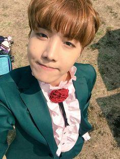awe yes! Hobi looks so good in green omg, no wonder its his favorite color <3