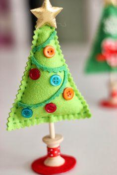 Arbol de Navidad de fieltro, http://mihogardepatchwork.blogspot.com.es/2013/12/arbol-de-navidad-de-fieltro.html