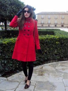 nataliachamps Outfit  militar cuero abrigo rojo urbano Animal Print chic leggins slippers  Invierno 2012. Combinar Plano Negro Zara, Abrigo Rojo Valentino Mango, Cómo vestirse y combinar según nataliachamps el 19-1-2013