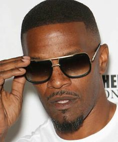 Popular Sunglasses, Uv Sunglasses, Oversized Sunglasses, Sunglasses Women, Best Casual Wear For Men, Mach One, Celebrity Sunglasses, Fashion Deals, Metal Bar