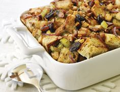 Fruit and Toasted Almond Stuffing Recipe | Vegetarian Times