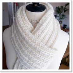 Tutu knit white scarf - Everything About Knitting Loom Knitting, Knitting Stitches, Knitting Patterns Free, Free Pattern, Crochet Patterns, Tutu, Free Crochet, Knit Crochet, White Scarves