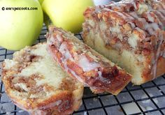 An Expat Cooks : Country Apple Fritter Bread--This bread is insanely moist and chock full of spiced apples. A definite fall staple! Apple Fritter Bread, Apple Fritters, Apple Bread, Apple Cinnamon Bread, Apple Recipes, Sweet Recipes, Baking Recipes, Bread Recipes, Baking Ideas