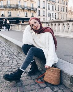 Modest Outfit Ideas on saufetc hijab outfit ideas - Hijab : Modern Hijab Fashion, Hijab Fashion Inspiration, Muslim Fashion, Casual Hijab Outfit, Hijab Chic, Casual Dresses, Tokyo Street Fashion, Street Hijab Fashion, Mode Outfits