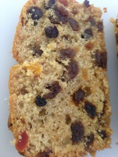 Freda's apple & fruit loaf is a lovely moist easy fruit cake - perfect for using up all those fallen apples, such an easy and massively popular recipe! Fruit Loaf Recipe, Fruit Cake Cookies Recipe, Loaf Recipes, Baking Recipes, Cake Recipes, Fruit Cakes, Food Cakes, Simple Fruit Cake Recipe, Puri Recipes