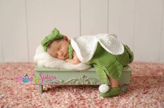 This outfit is perfect for the Neverland make believe little fairy in your life. It is perfect for newborn pictures, a cute outfit, or a cute costume. Your little fairy will be perfect in the headband, dress, wings, shoe combo. The wings dont stand up and ARE NOT attached to the dress. The dress could be worn by itself without the wings.The wings in the picture have hands that were photoshopped out.  This includes shoes, headband, a dress, and wings  This set is made in a smoke free, pet…