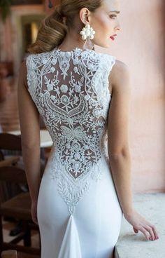 Свадебные платья Nurit Hen с тонким узорным кружевом на спине | смотреть фото цены купить
