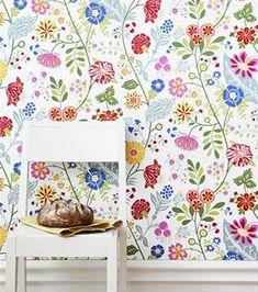 Ihana tapetti! Great multi coloured wallpaper