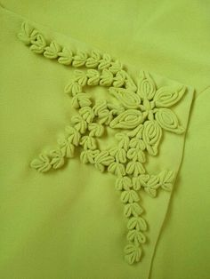 Flower button Creative Embroidery, Hand Embroidery Designs, Vintage Embroidery, Bullion Embroidery, Couture Embroidery, Neckline Designs, Dress Neck Designs, Fabric Manipulation Fashion, Lace Art