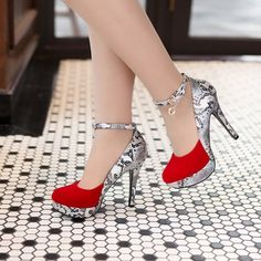 Round Toe Stiletto Heel Patchwork Chain Platform Women's Pumps