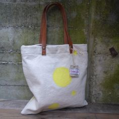 Tote bag, yellow polka dots hand painted. de LAMILAcanvas2 en Etsy