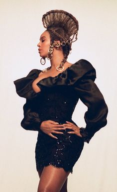 Star Fashion, Fashion Beauty, Fashion Show, African Hairstyles, Afro Hairstyles, Queen Bee Beyonce, King Costume, Beyonce Style, Carnival