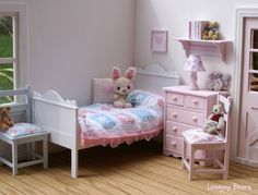Bedroom for Blythe. Pretty.