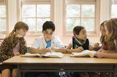 ¿Cómo manejar problemas disciplinarios conjuntamente a una gestión efectiva del aula?   eHow en Español