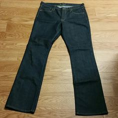 "NEW OLD NAVY  BLUE JEANS Brand new Flirt blue jeans inseam Length 34"" (brand new never worn no tags) Old Navy Jeans Boot Cut"