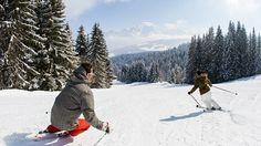 #Megève, une bonne couche de blanc pour descendre les pistes entourés de sapins #pureplaisir Voyage Ski, Ski Freeride, Best Skis, Skiing, World, Smartphone, Outdoor, Dance Floors, Ride Or Die