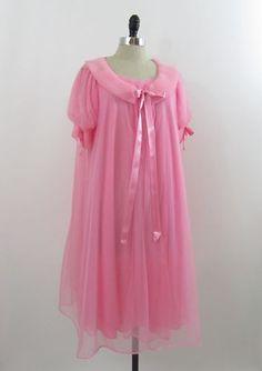 Vintage 50s Pink Sheer Nylon Dbl Chiffon Peignoir Set.