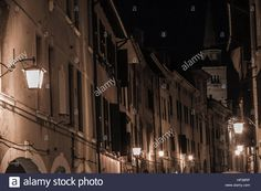 Download this stock image: Pordenone inner city in the night - HP38RP from Alamy's library of millions of high resolution stock photos, illustrations and vectors.