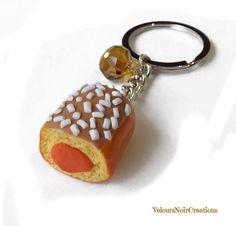 Keychain with snack buondì polymer clay, by Velours Noir Crèations, 10,00 € su misshobby.com