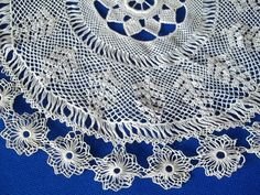 Armenian Lace with fine work and Tree Shape Mid Design