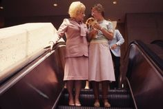 I love this picture! Mary Kay Ash, Mary Kay Cosmetics, Anti Aging Facial, Beauty Consultant, Pretty In Pink, Jimmy Choo, Business Ideas, Respect, Woman