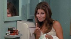 z- Raquel Welch (Det Eileen McHenry)- 'Fuzz', Giving the Finger Raquel Welch, Girls Run The World, Fantastic Voyage, Star Wars, Rhinoplasty, Timeless Beauty, In Hollywood, Beautiful Actresses, Gossip