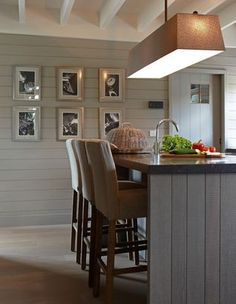 Contemporary country kitchen with slate grey and pale green - Mi Casa - Colección | Keuken | Mi Casa (lay out)