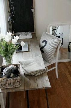 Wood plank desk- decor pad