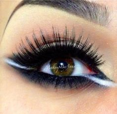 Wow, this is wild and yet it looks so good together.. Eyeliner in white.