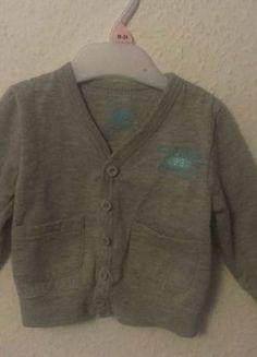 Kup mój przedmiot na #vintedpl http://www.vinted.pl/odziez-dziecieca/dla-niemowlakow-chlopiec/11282850-szara-elegancka-bluza