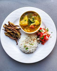 Cozy Sunday meal - Sambar Chawal (Mix Veg lentils Curry with rice) Crispy Oven Baked Okra (Kurkuri Bhindi) and onion to. Yummy Appetizers, Appetizer Recipes, Oven Baked Okra, Best Beef Tenderloin Recipe, Tomato Bruschetta, Pickling Jalapenos, Sunday Recipes, Lentil Curry, Recipe Today