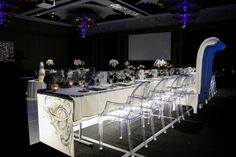 Fully Illuminated Bridal Table available for hire at Wedstyle. www.wedstyle.com.au #wedding #furniture #table #bridal #illuminated