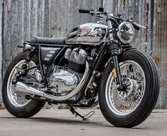 Hashtag #royalenfieldgt650 sur Instagram • Photos et vidéos Enfield Bike, Enfield Motorcycle, Cafe Racer Motorcycle, Motorcycle Style, Royal Enfield Blue, Classic 350 Royal Enfield, Enfield Classic, Custom Motorcycles, Custom Bikes