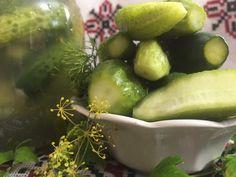 Echte ukrainische 2-Tage Salzgurken, ein leckeres Rezept aus der Kategorie Gemüse. Bewertungen: 6. Durchschnitt: Ø 4,3. Flora, Honeydew, Pickles, Cucumber, Lime, Fruit, Ukrainian Food, Ukrainian Recipes, Essen