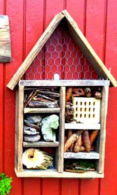 Insekthotel | Kreativ med ungerne Design Art, Arts And Crafts, Bird, Holiday Decor, Outdoor Decor, Anton, Dandy, Inspiration, Home Decor