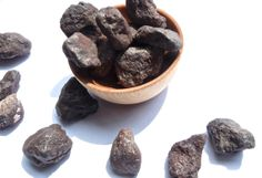LODESTONES magnetite stones, crystal healing, crystal grids