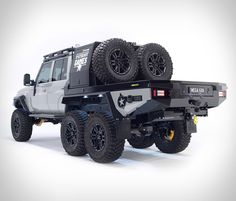 In 2016 Patriot Campers took the world by storm with the release of their Supertourer dubbed the Black Truck, a highly-customizable, imminently-capable off-road machine based on the new GXL Toyota Landcruiser dual cab. 6x6 Truck, Rc Trucks, Jeep Truck, Truck Camper, Custom Trucks, Land Cruiser Pick Up, Land Cruiser 70 Series, Toyota Land Cruiser, My Dream Car