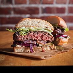 The Secret Ingredient for a Perfect Burger Isn't What You Think BY Daniel Duane   POSTED MAY 27, 2014