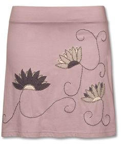 great skirt - love the colors and embroidery (and swirls)