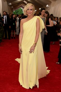 Kristen Wiig  So pretty in Yellow #MetGala All The Looks From The 2015 Met Gala  - ELLE.com